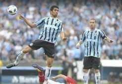 Com a vitória no Gre-Nal, Grêmio chega aos 21 pontos, mas continua próximo da zona de rebaixamento_Ronaldo Bernardi