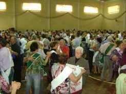 Baile reúne idodos de vários municípios