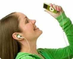 Uma vez percebido algum sintoma auditivo, deve-se procurar o profissional de saúde auditiva, o mais precocemente possível.
