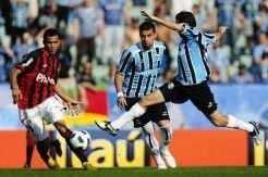 André Lima marcou três dos quatro gols da vitória gremista sobre o Atlético-PR_DiegoVara
