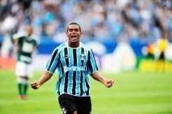 Em chute de fora da área, Fernando garantiu o empte do Grêmio diante do Palmeiras_Ricardo Duarte