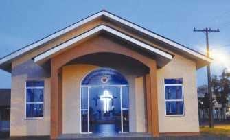 Inaugurada recentemente, a igreja possui espaço para cerca de 200 pessoas