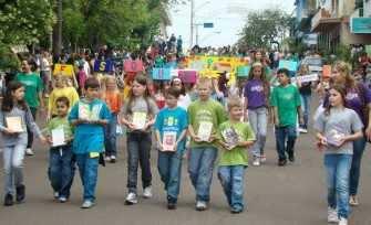 Último desfile institucional foi realizado em 2009, nos 75 anos do município