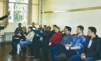 Funcionários do jornal O Alto Taquari participaram da palestra motivacional na tarde de segunda-feira