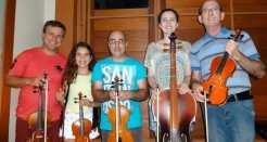 Parte dos integrantes da orquestra que se apresenta amanhã à noite em Rui Barbosa
