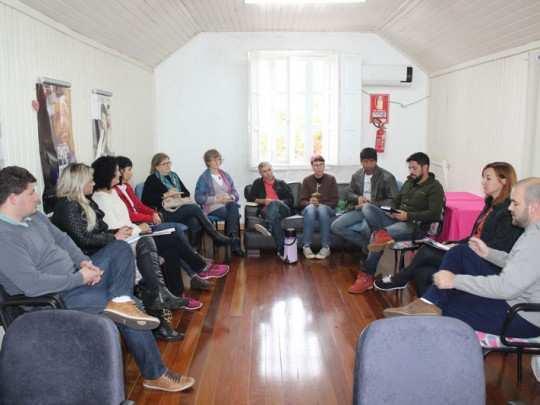 Grupo reúne-se mensalmente para debater o turismo local