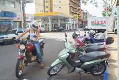 Antes da delimitação da área para o rotativo, estacionamentos de motos estavam concentrados nas esquinas, o que facilitava, inclusive, a visão dos motoristas