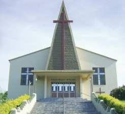 Programação inicia com missa às 9h30min na Igreja Matriz e segue com festa no ginásio municipal