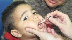 Crianças de um a quatro anos devem ser vacinadas contra a pólio e o sarampo no mês de agosto