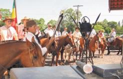 Programação em Arroio do Meio inicia hoje, a partir das 18h45min, com um desfile de cavalarianos pelo centro da cidade