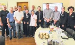 Na presença de representantes da comunidade e o presidente da Acisam, direção do Hospital São José entregou ofício ao deputado Lucas Redecker, solicitando apoio para a implantação de 10 leitos de UTI