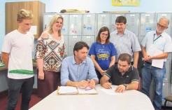 Assinatura da Ordem de Início de Serviço ocorreu na tarde de quarta-feira nas dependências da escola