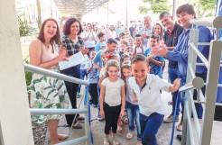 Alunos participaram da entrega simbólica das obras de ampliação da escola
