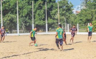 Sábado e domingo com Beach Soccer e Voleibol de Dupla na Área de Lazer