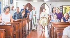 Comunidade católica, cuja igreja passa por reformas, vai usar o espaço da comunidade luterana para a celebração de suas missas