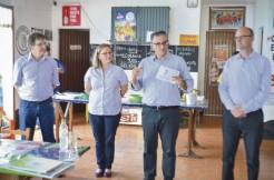 Durante o período em que era presidido por Adriana Meneghini Lermen, PDT arroio-meense recebeu a visita de Jairo Jorge, candidato a governador do Estado